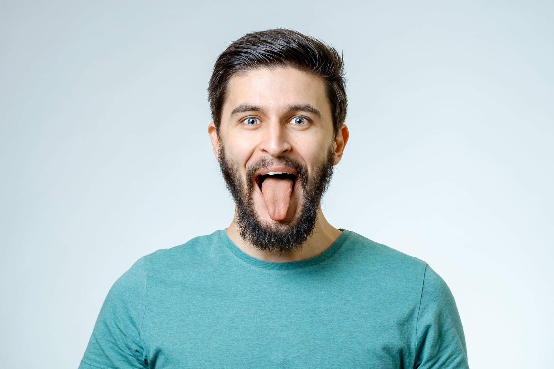 What can an unnatural tongue color mean?